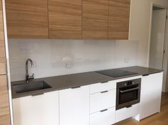 White #splashbacks are subtle and timeless. Our #acrylicsplashbacks looking stunning in this #Geelong #DIY clients #kitchen in our signature white - Ice Queen.
