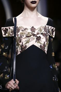 http://www.vogue.com/fashion-shows/fall-2016-ready-to-wear/christian-dior/slideshow/details
