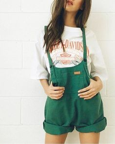 New Sweet Pot Women's Dungarees short - Green Size 10 Mode Outfits, Fashion Outfits, Ootd Fashion, Ladies Fashion, Diy Fashion, Mens Fashion, Fashion Tips, Womens Dungarees, Summer Outfits