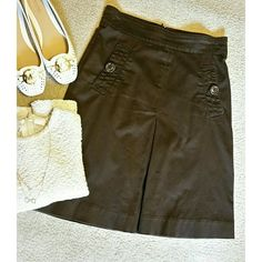 """""""FINAL PRICE"""" Skirt in brown Perfect condition  No stain or rip  Like new  Rarely worn  98 % cotton 2 % elastane Back zip closure  2 slant pockets button closure 21.5"""" long NOTE : my size is 28 and it fits me. Not true to size Necklace, shoes and tops sell separately. See listings. Banana Republic Skirts A-Line or Full"""