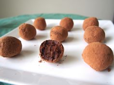 Avocado truffles: dark chocolate chips, avocado and unsweetened cocoa powder! Omg, making these ASAP!