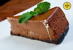 Checkout the best dark chocolate and liqueur mousse cake recipe on the net! Once you try this amazing dessert, you will ask for more!