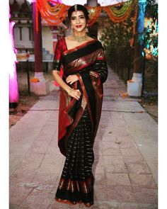 Saree Blouse Designs – Page 2 Brocade Blouse Designs, Saree Tassels Designs, Half Saree Designs, Fancy Blouse Designs, Bridal Blouse Designs, Saree Blouse Designs, Half Saree Lehenga, Saree Look, Red Saree