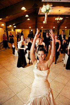 Top 10 Bouquet Toss Songs For Your Wedding