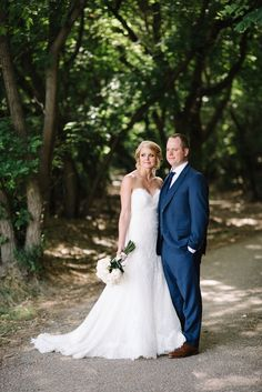 With the colder months slowly starting to roll in, this outdoor Medicine Hat wedding feature couldn't have come at a better time! This beautiful wedding ceremony took place in a park in the middle of the city. The couple decorated trees with paper lantern and lined the aisle with lanterns filled with blush roses. It is so pretty and huge thanks to Schae Photography for capturing this happy couples big day.