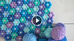 With the puff crochet flowers you can create the most beautiful patterns you've ever made. Joining this crochet flowers may seem difficult, but it's very easy.