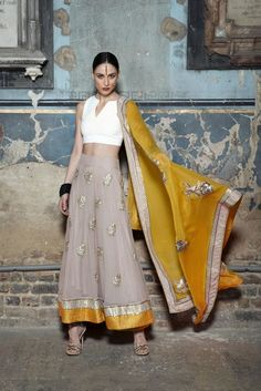 Brighten up your Indian attire with the latest Indian fashion including designer sarees, lenghas, anarkalis & Indian party wear - Couture fashion London Lehenga, Anarkali, Indian Party Wear, Indian Wear, Look Short, Indian Look, Desi Wear, Desi Clothes, Indian Clothes