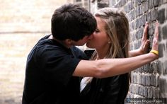 Teen Couple Kiss 68