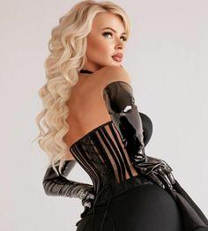 Leather Gloves, Mistress, Women Lingerie, Wonder Woman, Superhero, Lady, Fictional Characters, Beauty, Instagram