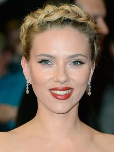 Scarlett Johansson's gorgeous beauty look at The Avengers premiere