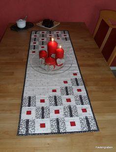 """... ist denn doch noch mein neuer Tischläufer fertig geworden - genäht nach den Anleitung """"Origami"""" von E. Rittelmeyer mit Weihnach..."""