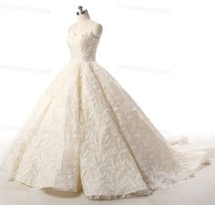 Hey, I found this really awesome Etsy listing at https://www.etsy.com/listing/475665536/vintage-lace-wedding-dress-handmade