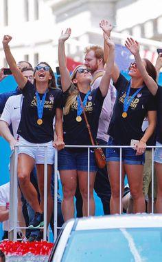 Women's Football, Tobin Heath, Fifa Women's World Cup, Soccer Players, New Kids, Amy, Woman, Female, Friends