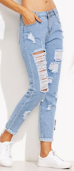 Blue Distressed Roll Hem Jeans Jean Outfits, Boho Outfits, Outfits For Teens, Casual Outfits, Cute Outfits, Cute Ripped Jeans, Ripped Jeans Outfit, Moda Fashion, Denim Fashion