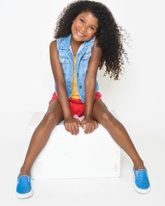 What not only  gets a casting directors attention and keeps it? An infectious smile, a positive atitude, and a killer outfit! #beautiful  #natural #naturalhairstyles #naturalhair #kidsnaturalhair   #kidsfashion #fashion #fashiontrendsoutfits #fashiontrends2019 #mood #moodboards #kidsmoodboard #kidmodels #denim #bright #girlsfashion
