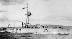 Pt Boat, Seafarer, Navy Ships, Royal Navy, Battleship, Wwi, Night Skies, World War, Monitor