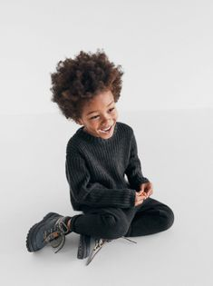 Purl-knit sweater with round neck and long sleeves. Toddler Poses, Toddler Boy Outfits, Cute Outfits For Kids, Cute Kids, Little Boy Fashion, Baby Boy Fashion, Kids Fashion, Zara Boys, Zara Fashion