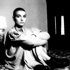 3bb17b8dc0834 Sinéad O Connor ♡ Iconic Photos, Music Videos, Songs, Joey Ramone,