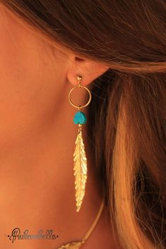 Collection Plumes ➡ BOUCLES D'OREILLE PLUMES Turquoises via Rubambelle. Click on the image to see more! Feathers earrings look hippie chic #Earrings