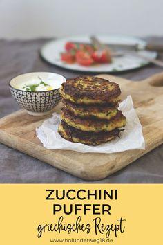Einfaches Rezept für grischische Zucchinipuffer. Herrlich würzig mit Feta und Minze. Einfach vorzubereiten. #zucchinirezepte #zucchinipuffergriechisch #zucchinipufferrezepte Zucchini Puffer, Yummy Food, Tasty, Meal Planning, Cereal, Veggies, Low Carb, Cheese, Meals