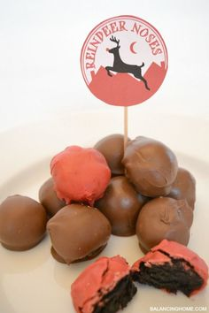 Oreo Truffle Reindeer Noses & Printable. So simple and delicious.