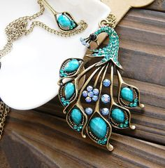 Boho Style Gemstone Peacock Short Chain Necklace #peacock #necklace