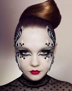 Afbeeldingsresultaat voor zwart wit make up Eye Makeup, Makeup Art, Angel Makeup, Maquillage Halloween, Halloween Makeup, Black And White Makeup, Black White, Extreme Makeup, Theatrical Makeup
