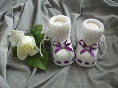 "Strick- & Häkelschuhe - gestrickte Babyschühchen ""lila Traum"" - ein Designerstück von sockenreich bei DaWanda Knit Baby Shoes, Baby Booties, Baby Knitting, Booty, Fashion, Shoes, Lilac, Moda, Swag"