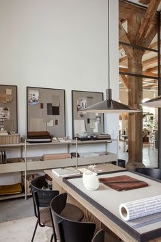 Design Studio Office, Office Interior Design, Home Office Decor, Office Interiors, Home Decor, Workspace Inspiration, Interior Design Inspiration, Sweet Home, Design Furniture