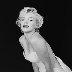 Rare Photographs of Marilyn Monroe Go on Display in London - HarpersBAZAAR.com