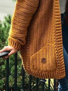 Crochet Cocoon, Chunky Crochet, Knit Crochet, Crochet Sweaters, Crochet Cardigan Pattern Free Women, Easy Crochet Patterns, Knitting Patterns, Sewing Patterns, Cocoon Sweater