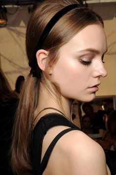 Humidity is gone for the season. Sport these all-day fall hairstyles that need little to no product.