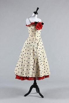 ~Dress 1952~      Kerry Taylor Auctions