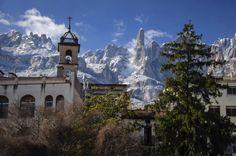 Primer premi en la categoria Portals i Parc Natural del VIII Concurs de fotografia del Parc Natural de la Muntanya de Montserrat (2013). Foto: Sergi Boixader