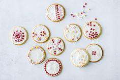 Biscuits au beurre décorés Vanille Paste, Biscotti, Decorative Plates, Food And Drink, Sugar, Cookies, Fresh Egg, Home, Treat Box