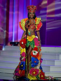 Miss univers 2015 costumes nationaux. #ChristieDesir  #MissUniverse2015 #Haiti
