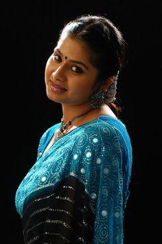 Beauty Galore HD : Very Beautiful Sangeeta Cute Look In Blue Saree And Artistic Hair Style Indian Actress Hot Pics, Most Beautiful Indian Actress, South Indian Actress, Indian Actresses, Beautiful Girl In India, Beautiful Saree, Beautiful Asian Girls, Beautiful Women, Pretty Girls