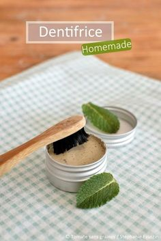 Tomate sans graines – Green lifestyle: DIY : Dentifrice solide Tomato without seeds – Green lifestyle: DIY: Solid toothpaste Diy Hanging Shelves, Floating Shelves Diy, Diy Fest, Homemade Toothpaste, Herbal Toothpaste, Homemade Cosmetics, Tips Belleza, Belleza Natural, Mason Jar Diy