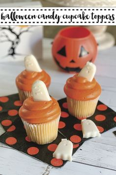 Make Halloween Cupcakes in a snap with this simple DIY from Everyday Party Magazine #HalloweenCupcakes #Halloween #DIY