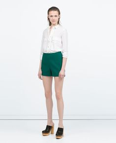 HIGH-WAISTED PLEAT SHORTS*GREEN