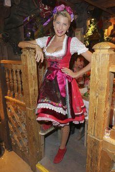 Giulia Siegel beim Oktoberfest 2015 auf der Theresienwiese in München