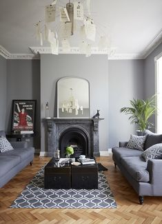 New Elegance: A Chic and Moody Georgian Town House in Newcastle – Home decoration ideas and garde ideas Living Room Grey, Small Living Rooms, Living Room Modern, Living Room Designs, Cozy Living, Georgian Interiors, Georgian Homes, Grey Interiors, Georgian Townhouse