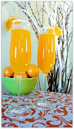 This Fizzy Bunny Easter Mimosa will be a complete hit at your spring brunch. #AllThingsEaster via @oboyorganic