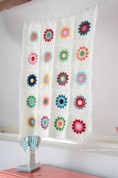 Crochet. pretty. wish I had more time to crochet.