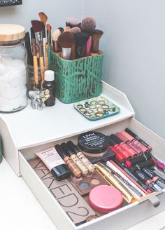 How to Store Your Makeup + Brushes | Flora Del Soul