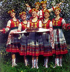 Folk costumes of Belarus. The people of Belarus are a kind, friendly and good humored nation. The patience and peacefulness of the Belarusian people has been determined by the nation's history that has been darkened by endless wars which the Belarusians did not start, but fell victim to. Belarus is welcoming to all visitors and interested in sharing its culture, traditions and sense of community with them. (V)