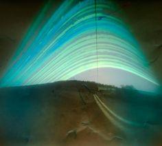 Solarigrafía en Cantabria, España. Alfonso Borragán. Tiempo de exposición 23/06/2011 - 22/12/2011. Negativo de papel fotosensible Ilford.  Más trabajos de Alfonso Borragán en: http://www.alfonsoborragan.com
