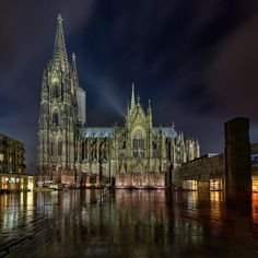 Kölner Dom / #Cologne Cathedral. Rainy night in Cologne (Germany).
