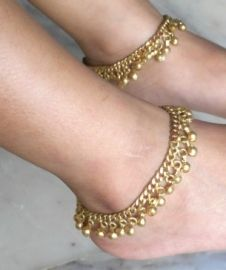 Enkelbandjes goud of zilver kleurig, echt hippie, Boho, Bohemian,  - Jingle jangle through life with these hippy anklets ....