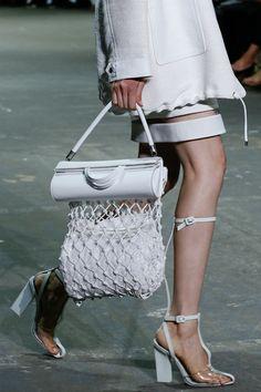 アレキサンダー・ワンですね。良いアイデア。 fashion week details | Keep the Glamour | BeStayBeautiful